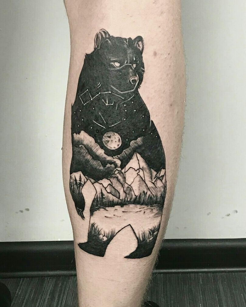 做市场专员的丘先生小腿山峰熊纹身图案